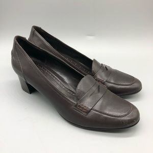 Brooks Brothers brown leather heeled penny loafers